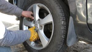Benzinlik ve lastikçilerde yasak nöbeti