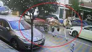 Bursada sahipsiz at arabasının trafikteki seyri kamerada