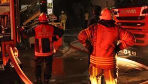 Son dakika... İstanbulda otel inşaatında yangın çıktı