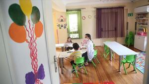 Son Dakika: Son dakika haberi: İstanbulda resmi anaokulu ve anasınıfları ile uygulama sınıflarında uzaktan eğitim kararı