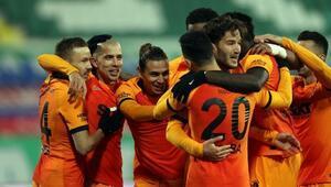 Galatasaray 7 eksikle gittiği Rizeden 4-0la döndü