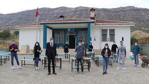Köy okullarına hayat veriyorlar
