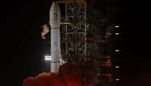 Çinin uzay aracı 112 saat uçtu, Ayın yörüngesine girdi