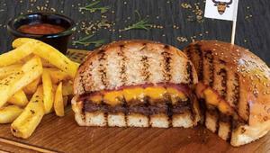 İstanbulda lezzeti kapınıza getiren 4 burgerci