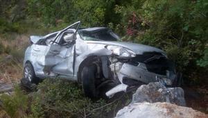 Otomobil uçurumdan yuvarlandı: 5 yaralı