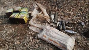 Bitliste PKKya ait el bombaları, lav silahı ve top mühimmatı ele geçirildi