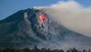 Endonezyada Ili Lewotolok Yanardağında son 24 saatte 2 patlama oldu
