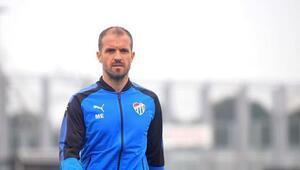 Bursaspor teknik direktörü Mustafa Er: Genç ve gelişen bir takımız