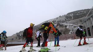 Palandökende kar yağışı altında kayak heyecanı