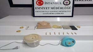 Esenyurtta uyuşturucu satıcısı 1 kilogram maddeyle yakalandı