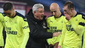 Premier Ligde bir maç Kovid-19 nedeniyle ertelendi