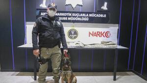 Ankara Polisi, Avustralyaya gönderilecek yorganda 8 kilo uyuşturucu buldu