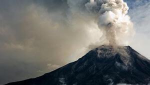 Yanardağ patlamalarını öncesinden tahmin etmek mümkün mü