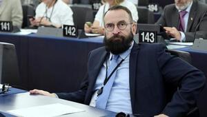 Eşcinsel partide basılan eşcinsellik karşıtı AB Parlamenteri Jozsef Szajer istifa etti