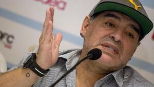 Maradona, neden iki kola saat takıyordu