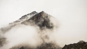 Munzur Vadisi Milli Parkında oluşan sis kartpostallık manzaralar oluşturdu
