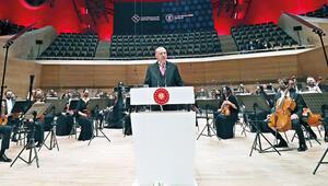 Türkiye kültür ve sanatta prangalarından kurtuldu
