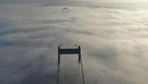 Fatih Sultan Mehmet Köprüsünde büyüleyen sis manzarası görüntülendi