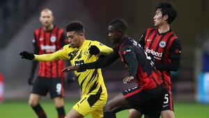 Borussia Dortmund ile Eintracht Frankfurt berabere kaldı