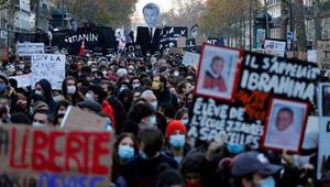 Fransada yapılan eylemlerin sürdürülmesi çağrısı
