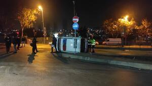 Eyüpsultanda otomobil polis otosuna çarptı: 2si polis 3 yaralı