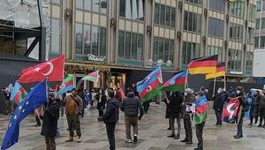 Almanyada Azerbaycana destek mitingi