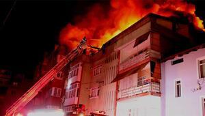 Karabükte 4 katlı binanın çatısında yangın