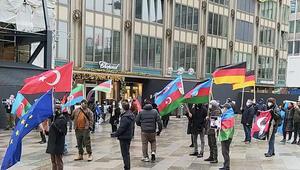 Almanya'da Azerbaycan'a destek mitingi