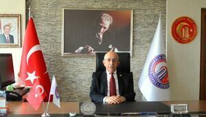 ÇOMÜRektörü Murat'a, Yılın Akademisyeni ödülü