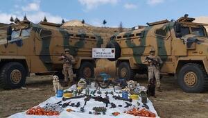 PKKya yönelik operasyonda silah ve patlayıcı ele geçirildi