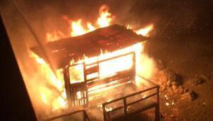 Trabzonda balıkçı barınağı yandı