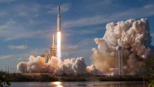 SpaceX, Falcon 9 roketini uzaya fırlattı