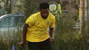 Son dakika   Yeni Malatyasporda Benjamin Tetteh belirsizliği Antrenmana çıkartılmadı...