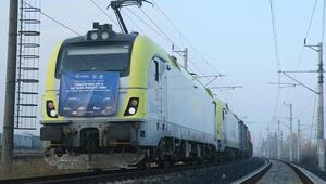 Türkiyeden Çine gidecek ihracat treni Karstan Gürcistana uğurlandı