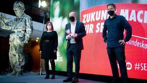 Tarih yazan SPD'nin 'anıt adamı'
