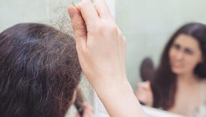 Uzmanı açıkladı: Saç dökülmesi koronavirüs belirtisi mi