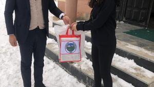 Esendere Belediyesinden öğrencilere kaynak kitap desteği