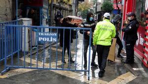 Trabzonda kalabalık cadde ve sokağa HES kodu ile giriş uygulaması başladı