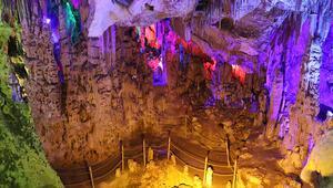 Keloğlan Mağarası salgın döneminde de ilgi görüyor