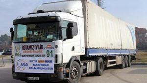 Boludan Suriyeye 3 TIR yardım malzemesi gönderildi