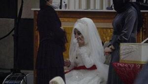 Yasak olmasına karşın yapılan düğüne polis baskını