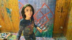 'Minik Picasso' tablodan kazandığı parayı depremzedeler için AFAD'a yatırdı
