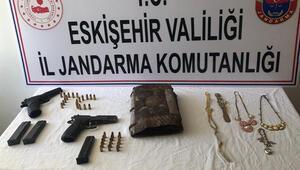 Eskişehir'de bin yıllık İncil ele geçirildi... 6 şüpheli yakalandı