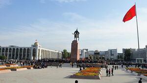 Kırgızistanda ülkenin yönetim şeklini belirlemek için referandum yapılacak
