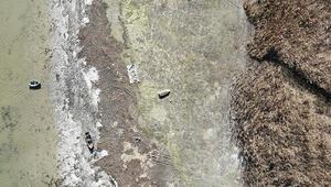 Son dakika haberleri... Terkos Gölünde korkutan manzara Yüzlerce metre çekildi