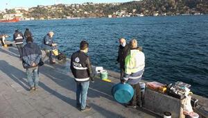 Beşiktaş'ta olta balıkçılarına koronavirüs denetimi
