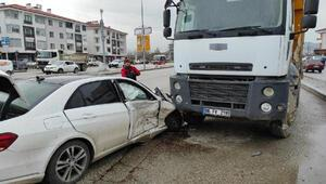 Düzcede kavşakta kaza: 3 yaralı