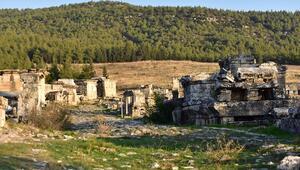 Depremle yok olan antik kent Hierapolis