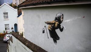 Banksy'nin son eserini duvarına yaptığı evin fiyatı 17 kat arttı