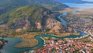 Dalyandaki antik kent ve tepenin caretta caretta şeklinde olduğu görüldü
